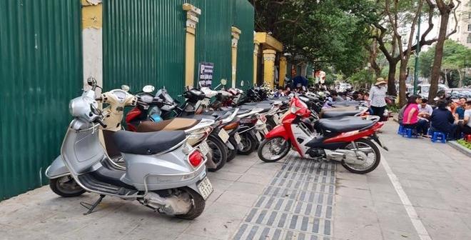 Bác đề xuất sử dụng vỉa hè để kinh doanh xuyên đêm của quận Hoàn Kiếm