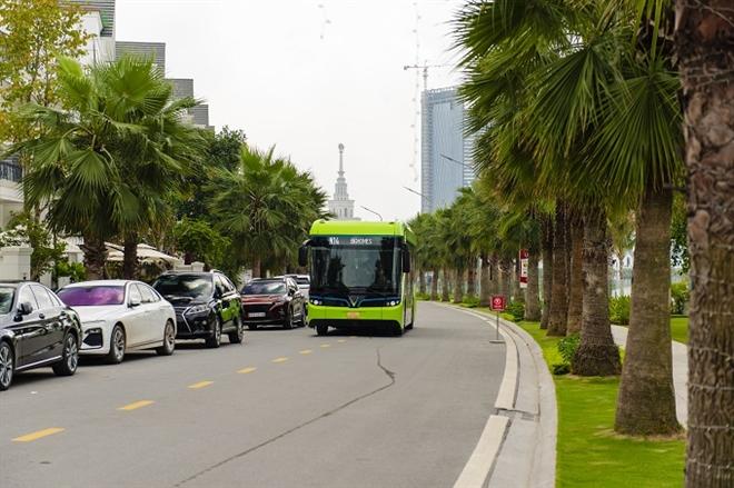 Xe buýt điện thông minh VinBus bắt đầu được vận hành - 2