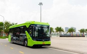 Xe buýt điện thông minh VinBus bắt đầu được vận hành