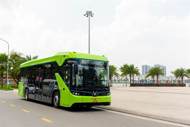 Xe buýt điện thông minh VinBus bắt đầu được vận hành - 1