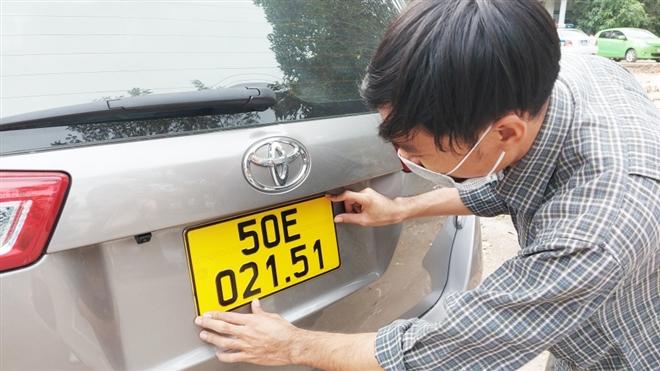 Hơn 84.000 ô tô ở TP.HCM chưa đổi sang biển số vàng - 3