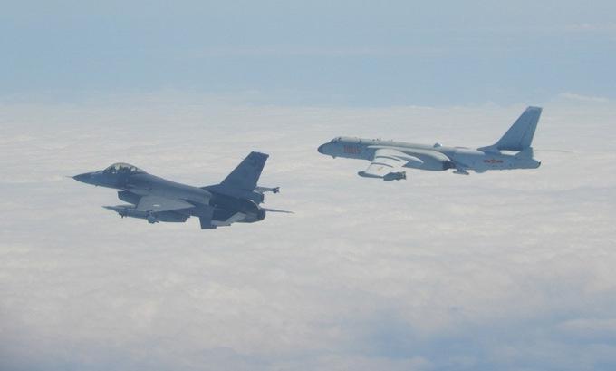 Trung Quốc điều 25 máy bay áp sát đảo tranh chấp với Đài Loan