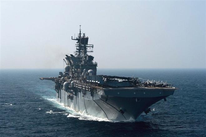 Điều nhóm tấn công tàu sân bay mini tới Biển Đông - chiến thuật cao tay của Mỹ