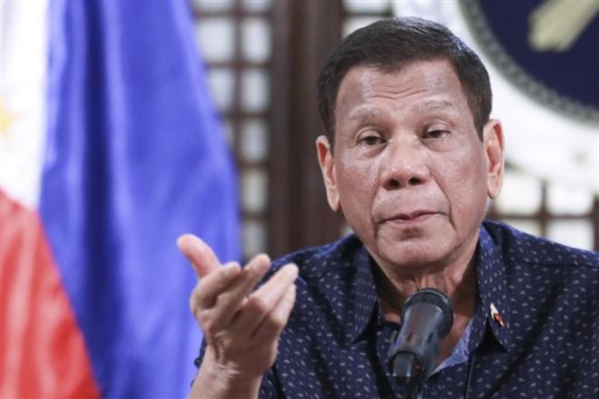"""Tổng thống Philippines """"tái xuất"""" sau tin đồn đã chết"""