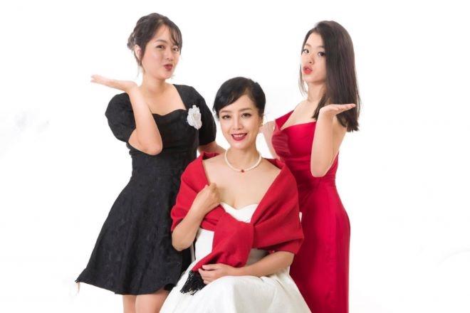 Nhan sắc 'gái đôi mươi' của dàn bà nội, bà ngoại showbiz Việt - 4