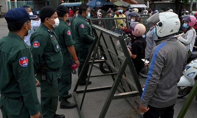"""Thủ tướng Hun Sen cảnh báo Campuchia """"bên bờ vực sinh tử"""""""