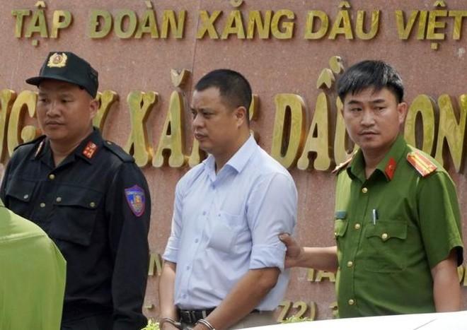 Giám đốc Petrolimex Long An bị bắt: Tập đoàn Xăng dầu Việt Nam nói gì?