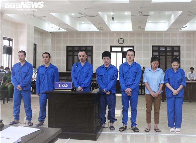 17 năm tù giam cho 2 phụ nữ đưa người Trung Quốc nhập cảnh trái phép để đánh bạc - 1