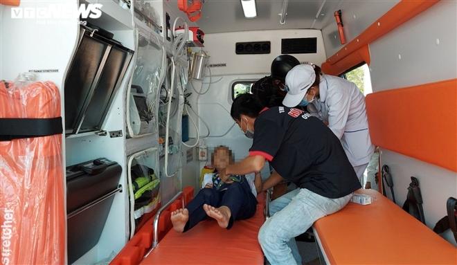 Chơi đồ chơi lạ, hơn 30 học sinh tiểu học Đà Nẵng nhập viện cấp cứu - 2