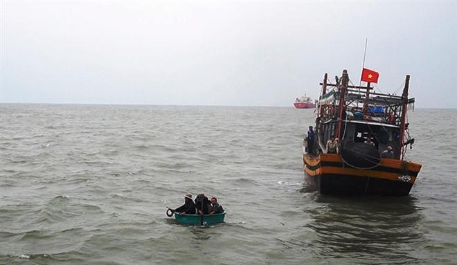 9 ngư dân Quảng Nam mất liên lạc hồi giữa tháng 3 đang bị bắt giữ ở Thái Lan - 1