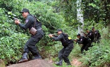 Gần 200 cảnh sát lập chốt, truy bắt tù nhân vượt ngục ở  Yên Bái