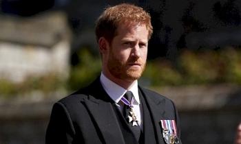 Harry không ở lại Anh mừng sinh nhật Nữ hoàng