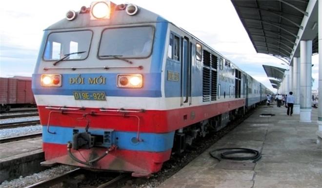 Đường sắt Việt Nam nguy cơ phá sản: Có tiền nhưng không tiêu được, lỗi do ai?