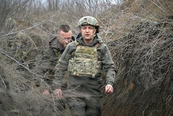 Ukraine tuyên bố sẵn sàng chiến tranh với Nga