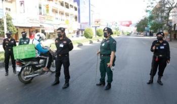Campuchia phạt roi người vi phạm lệnh giới nghiêm