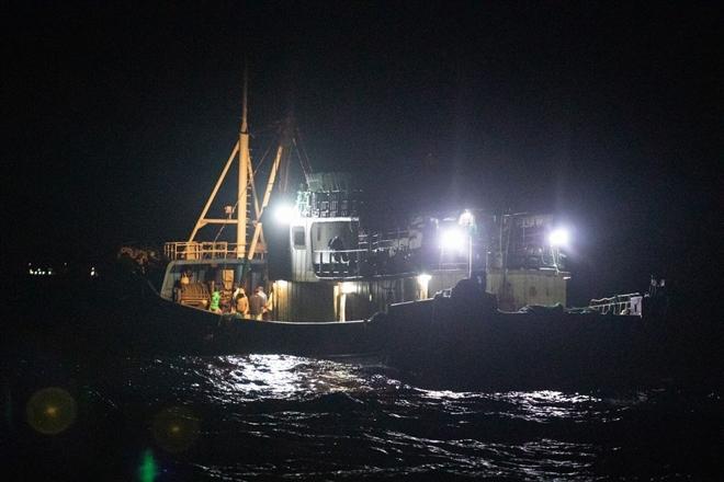 'Đại ngư thuyền' Trung Quốc đánh cá, tàn phá biển và bá quyền đại dương - 3