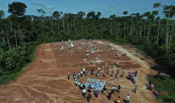 Những ngôi mộ tập thể bí mật chôn cất bệnh nhân Covid-19 ở Peru