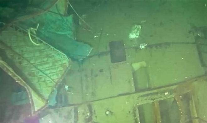 Áo thoát hiểm hé lộ phút cuối của thủy thủ tàu ngầm Indonesia