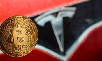 Tesla lãi kỷ lục nhờ bán Bitcoin