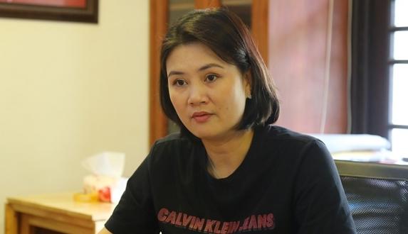 """HLV Phạm Kim Huệ: """"Liên đoàn bóng chuyền Việt Nam ép chúng tôi nhận án kỷ luật"""""""