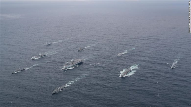 Hạm đội lớn nhất của Anh sẽ tới Biển Đông - 1