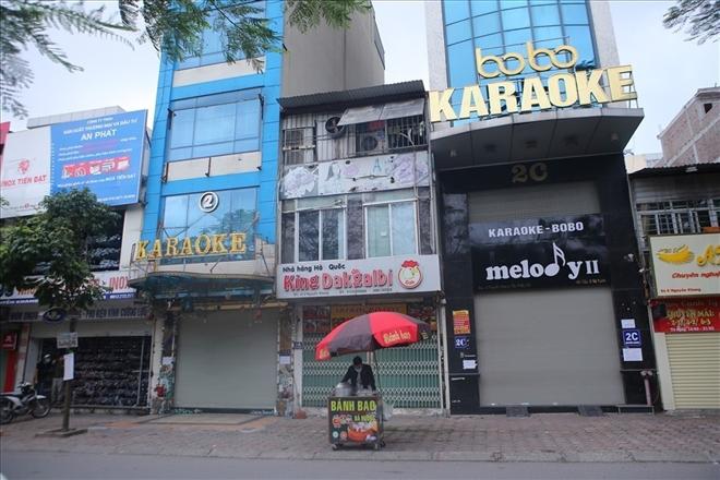 Hà Nội dừng hoạt động quán bar, karaoke, vũ trường, game từ 0h ngày 30/4 - 1