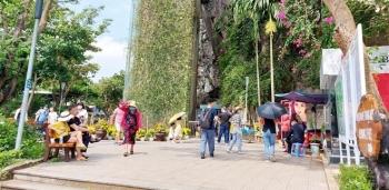Nhiều đoàn khách hủy tour, khu du lịch Đà Nẵng thưa người