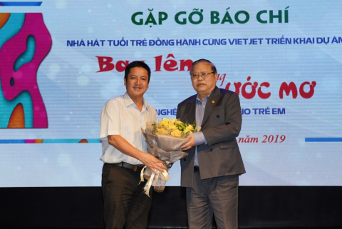 vietjet cung nha hat tuoi tre chap canh uoc mo nghe thuat