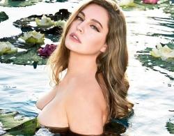 Vẻ sexy tuổi 40 của 'Kỳ quan thế giới thứ 8' bị ra giá 26 tỷ đồng/đêm ở Cannes