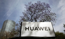 huawei cao buoc my bat nat de doa tu do