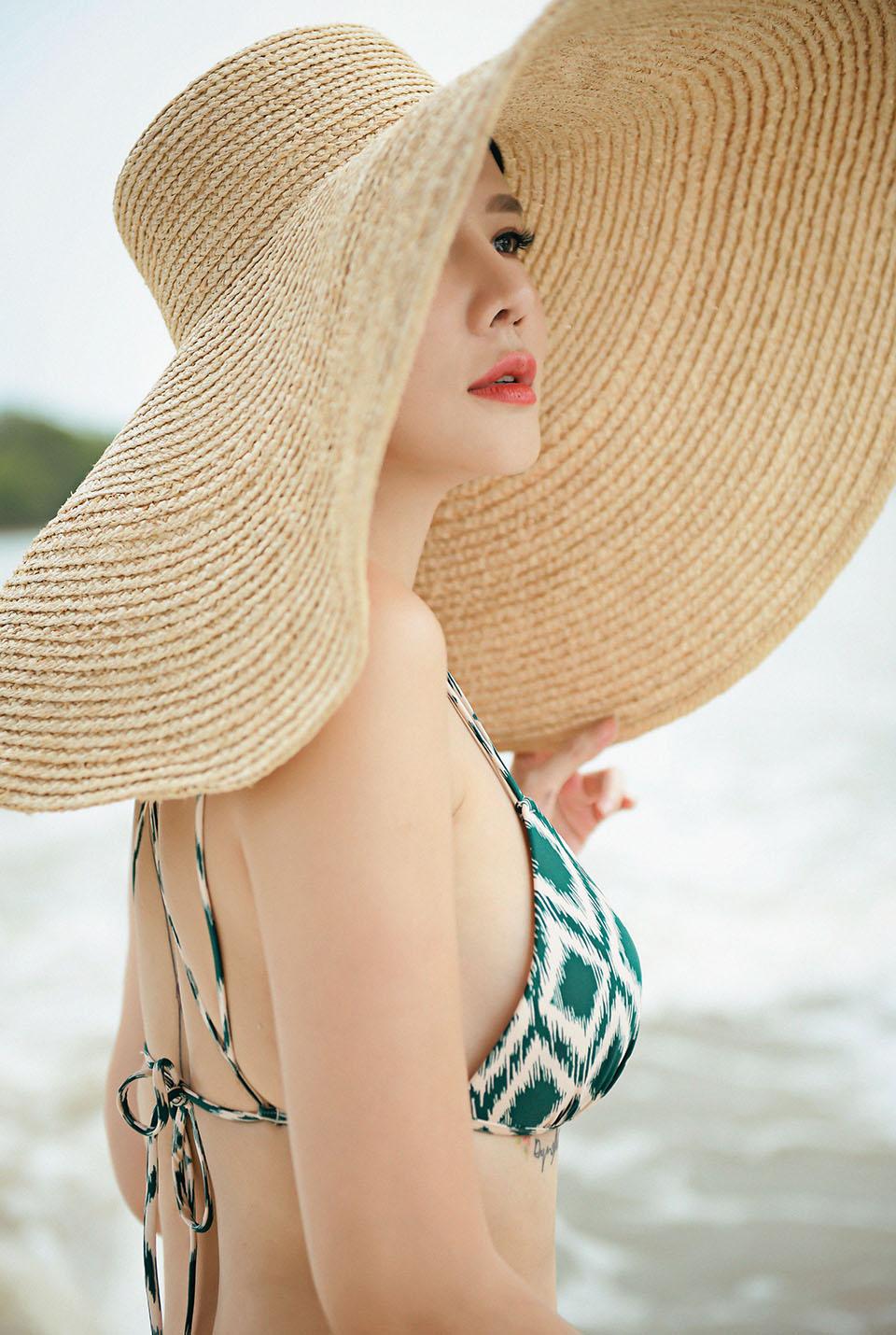 40 tuoi duong yen ngoc dien bikini khoe dang goi cam ben song sai gon