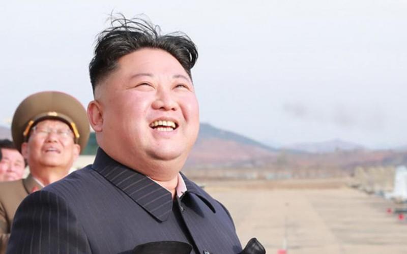 tong thong putin trao huy chuong chien thang cho chu tich kim jong un