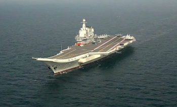 Tàu sân bay Trung Quốc diễn tập trên Biển Đông