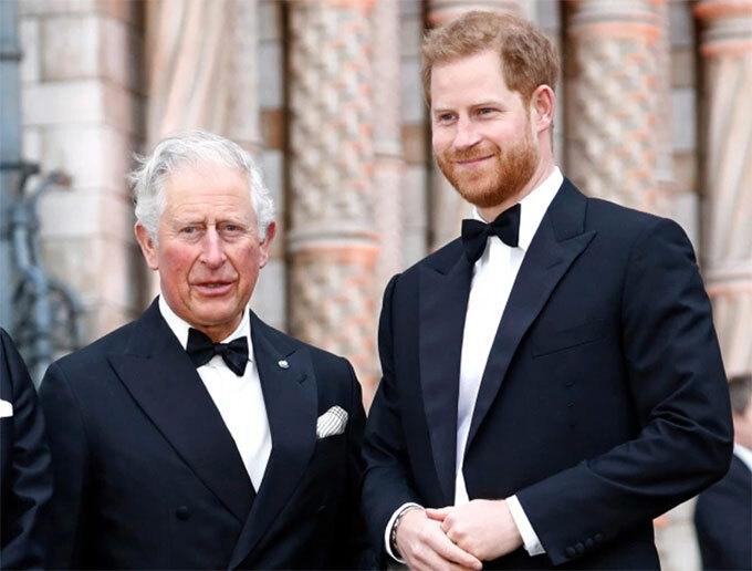 """Thái tử Charles vẫn """"bốc hoả"""" với cuộc phỏng vấn của nhà Harry"""