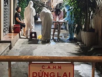 Hà Nội đóng cửa quán ăn, cà phê vỉa hè