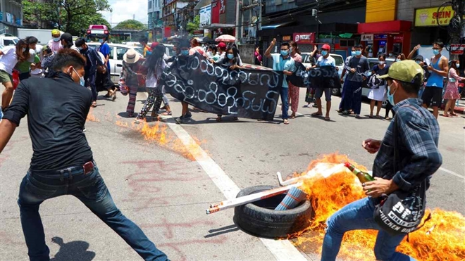 Nổ bom bưu kiện, 4 quan chức Myanmar thiệt mạng
