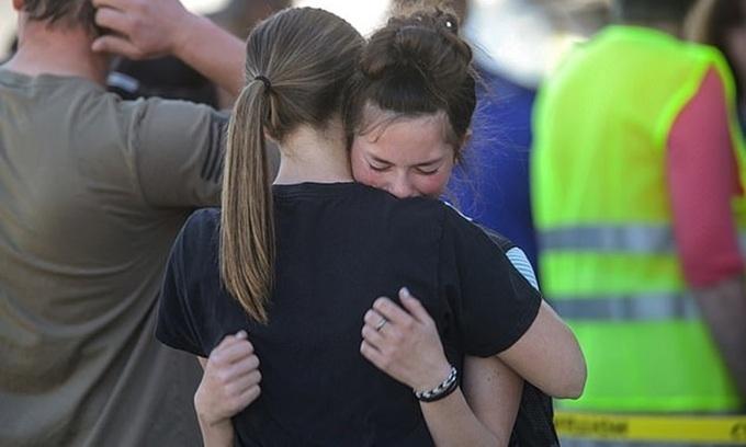 Nữ sinh lớp 6 xả súng ở trường học Mỹ