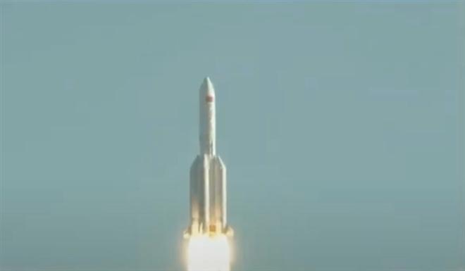 Mảnh vỡ tên lửa rơi: Chuyên gia nói Trung Quốc 'lơ là, vô trách nhiệm'