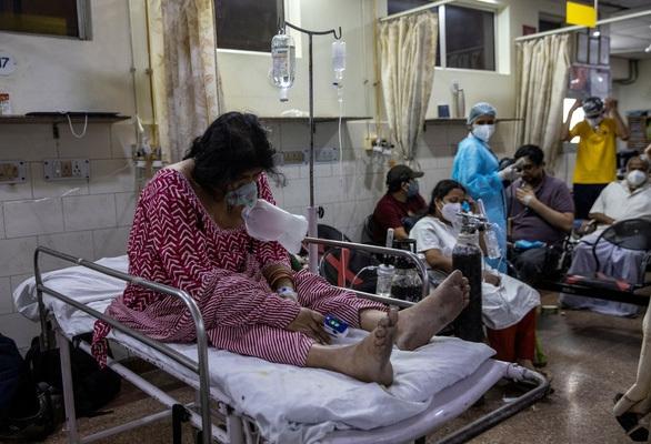 Ấn Độ: Người mắc COVID-19 vượt mốc mới, 414.188 ca bệnh trong ngày - 1
