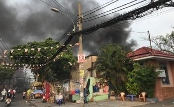 Vì sao 8 nạn nhân đều bị chết ngạt trong vụ cháy nhà dù đang là buổi chiều?