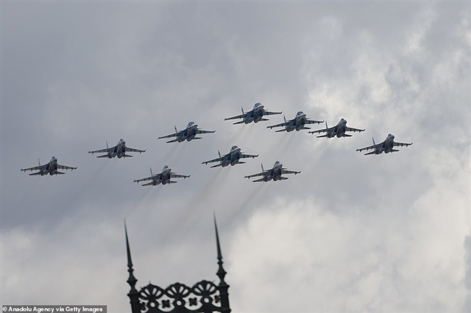 Có gì trong lễ duyệt binh kỷ niệm ngày Chiến thắng 9/5 ở Nga? - 10