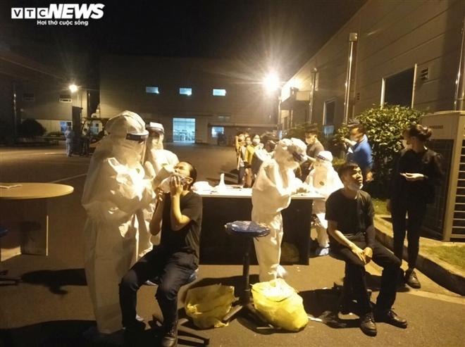 Bắc Giang: Công nhân Khu Công nghiệp Vân Trung liên tiếp dương tính SARS-CoV-2 - 1