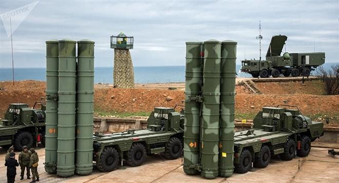 """""""Siêu tên lửa"""" S-500 không xuất hiện trong lễ duyệt binh, nhiều người thất vọng"""