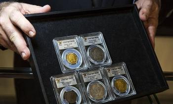 Chứng khoán Mỹ, giá vàng giảm sâu