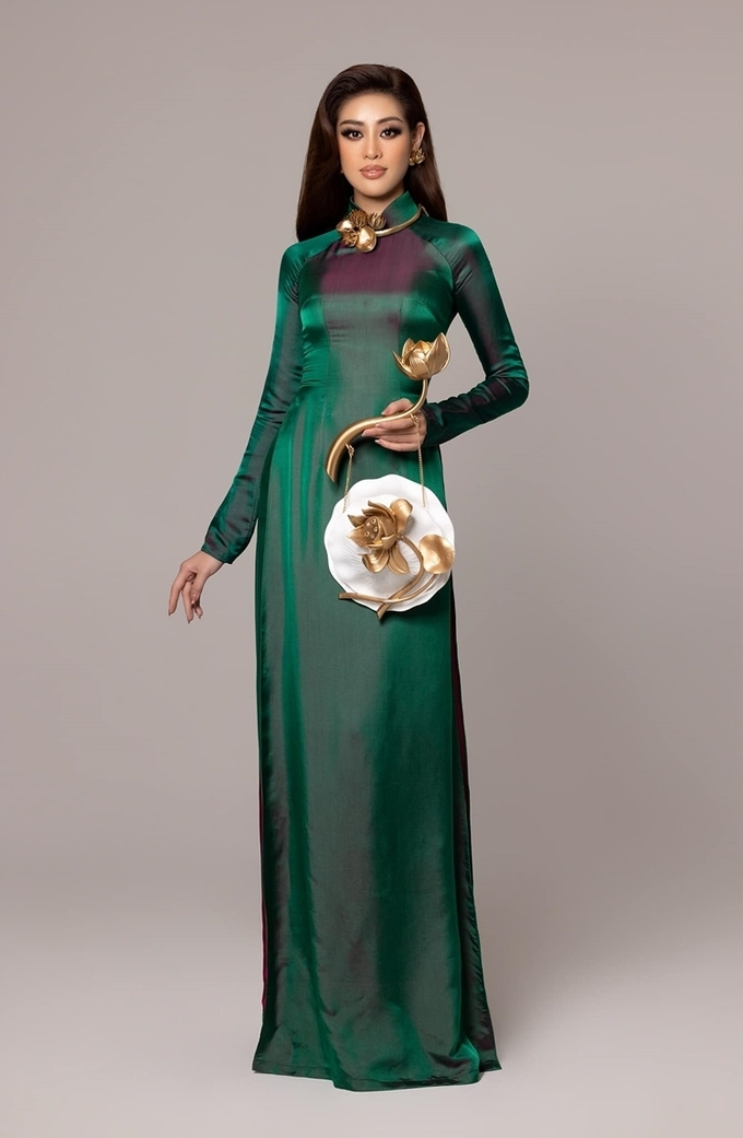 Khánh Vân diện áo dài tại Miss Universe