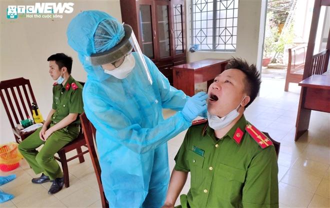 Giám đốc Sở Tư pháp Đà Nẵng dương tính SARS-CoV-2 - 1