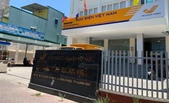 Bưu điện Quảng Ngãi tụ họp trên 40 người, bất chấp lệnh cấm của UBND tỉnh
