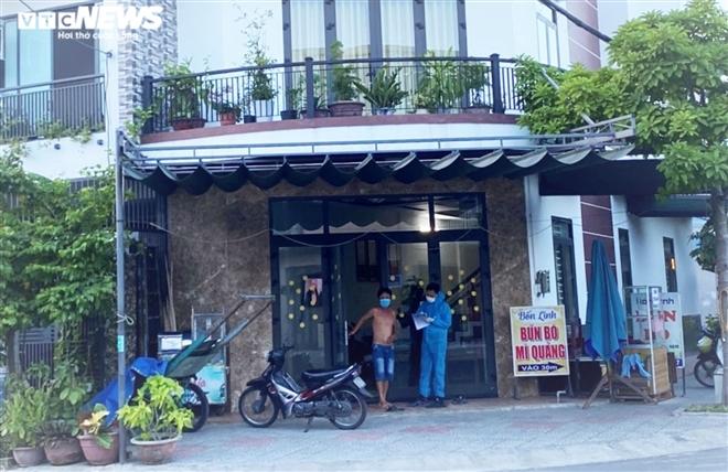 Chủ quán mỳ Quảng dương tính SARS-CoV-2, Đà Nẵng khẩn tìm người liên quan - 1