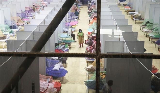Hơn 1.000 nhân viên ngân hàng chết vì COVID-19 ở Ấn Độ - 1