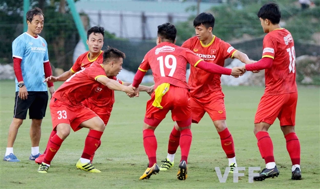 Ứng cử viên thay Hùng Dũng chấn thương, HLV Park Hang Seo thêm đau đầu - 4